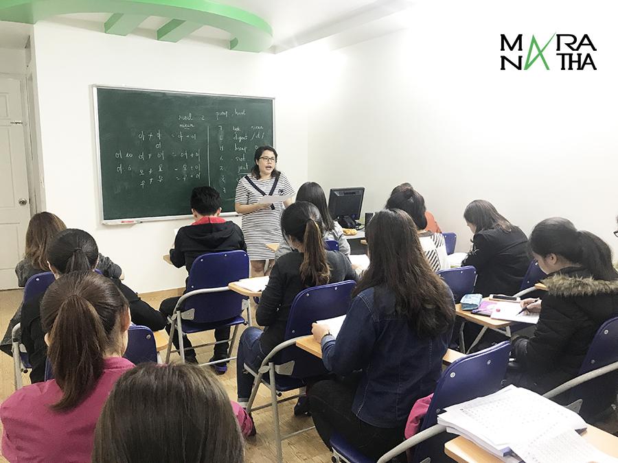 Lớp tiếng Hàn sơ cấp ca tối