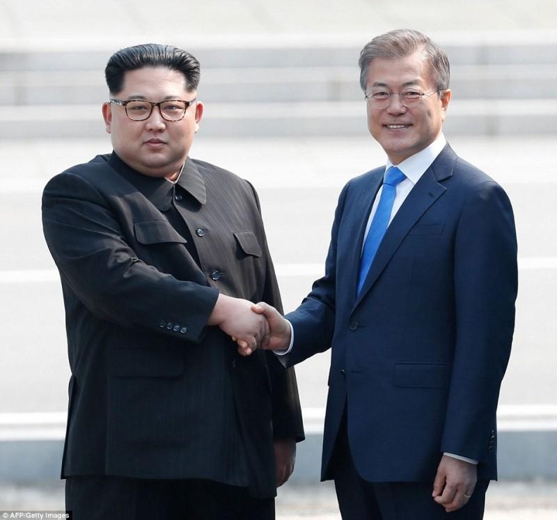 Cuộc gặp gỡ lịch sử giữa lãnh đạo 2 miền Nam - Bắc Triều Tiên