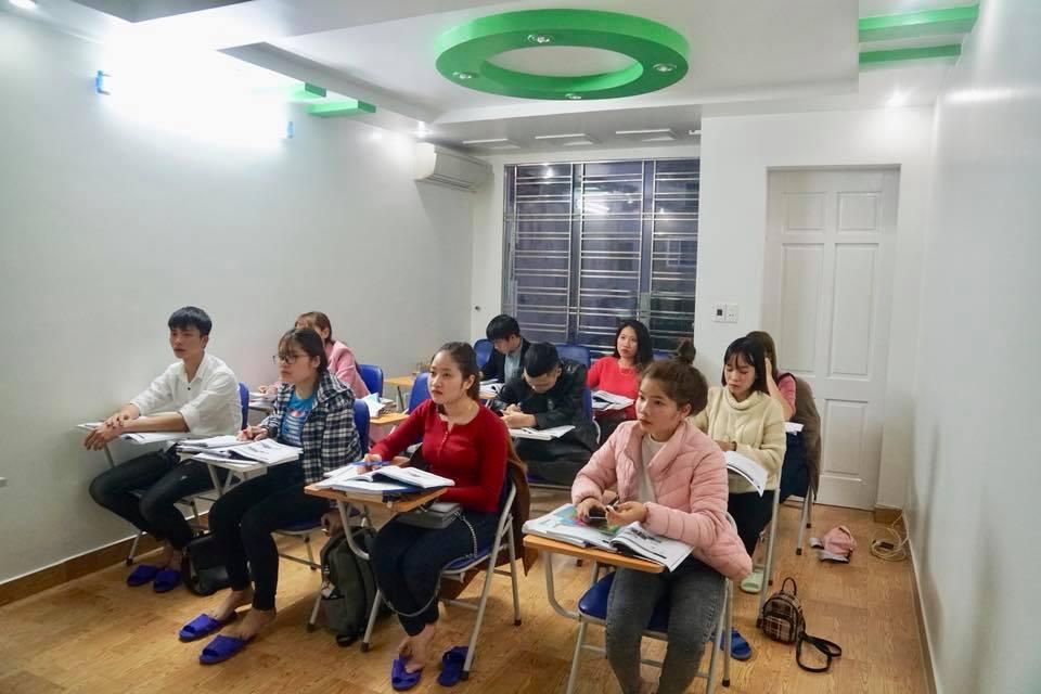 Hình ảnh lớp tiếng Hàn ca sáng ở MARANATHA