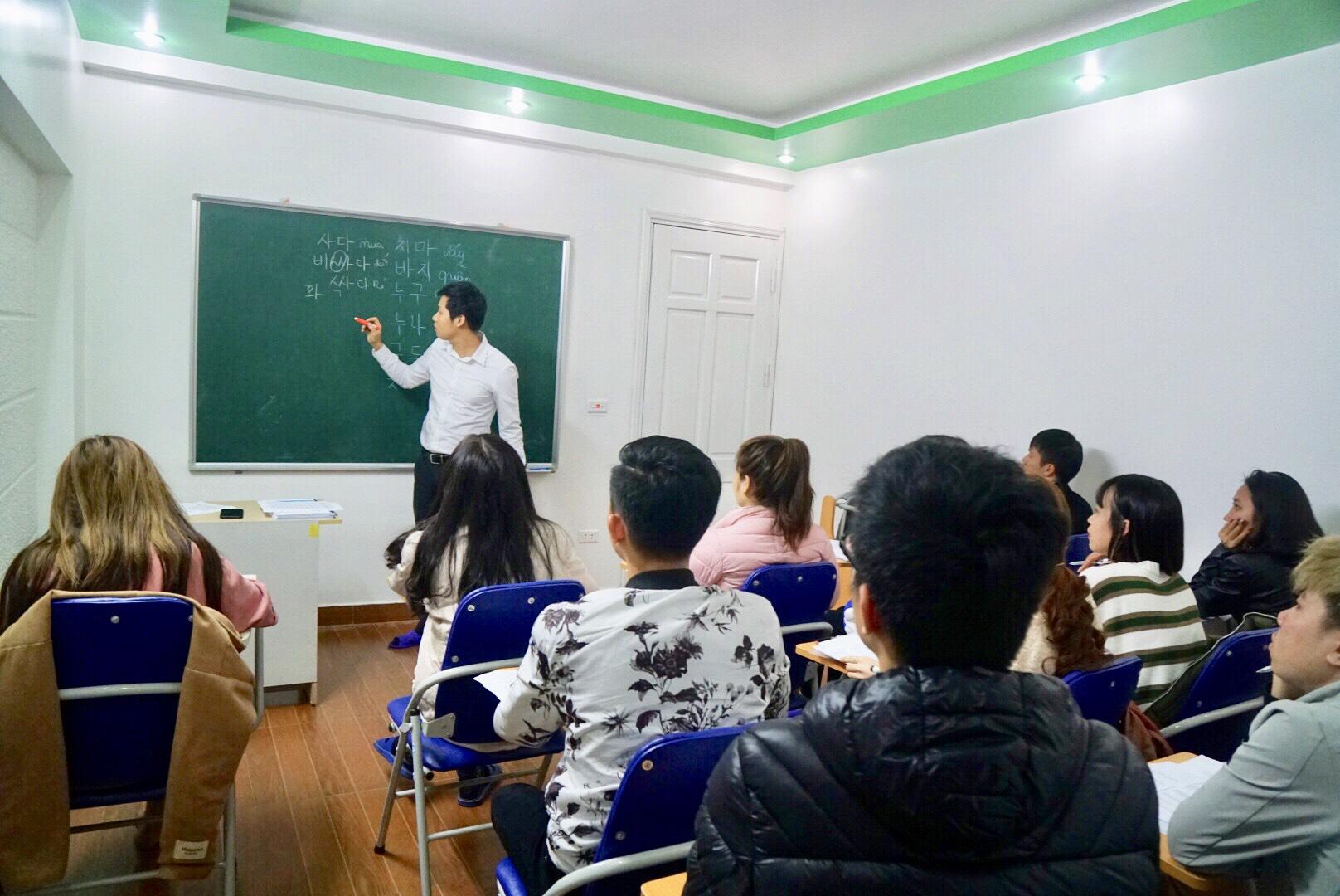 Hình ảnh lớp tiếng Hàn du học - MARANATHA
