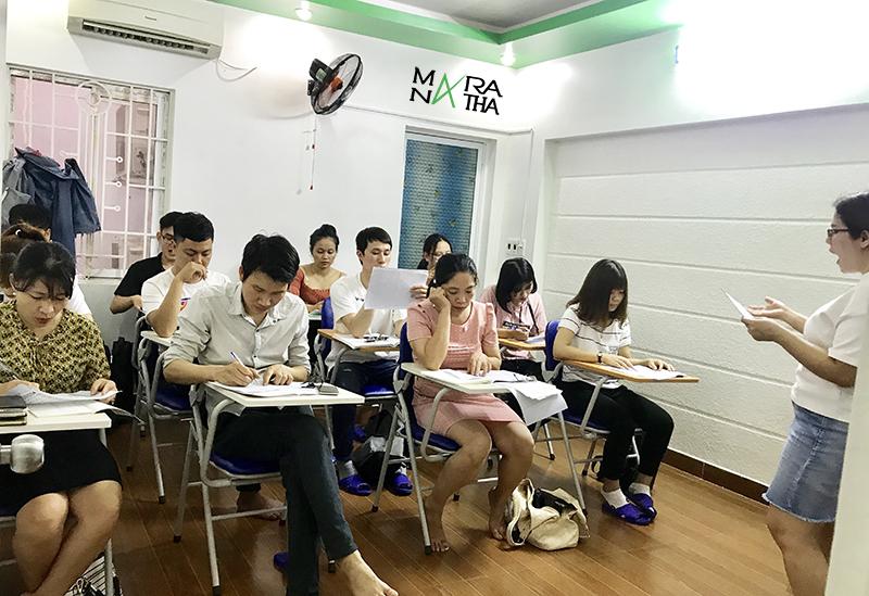Hình ảnh lớp tiếng Hàn ca chiều - Hàn ngữ MARANATHA
