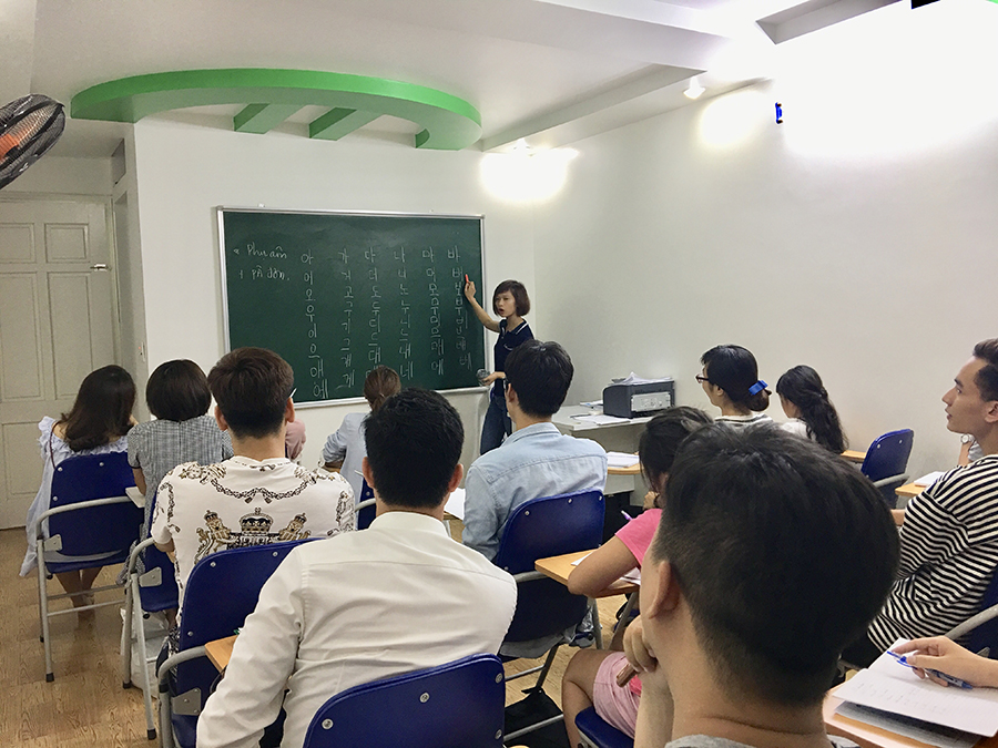 Lớp tiếng Hàn cho người mới bắt đầu ca tối 4/6/2018