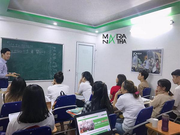 Lớp tiếng Hàn trung cấp tại Maranatha