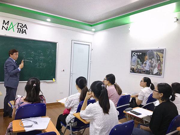 Lớp tiếng Hàn tại trung tâm Maranatha